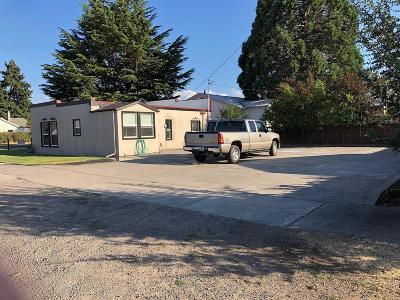 Eagle Point Single Family Home For Sale: 25 Platt Avenue