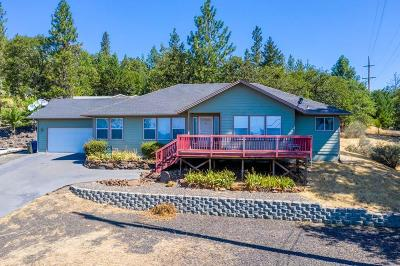 shady cove Single Family Home For Sale: 387 Pinetop Terrace