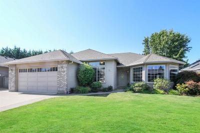 Medford Single Family Home For Sale: 3332 Wheat Ridge Drive