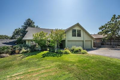 Medford Single Family Home For Sale: 1043 Tamara Circle