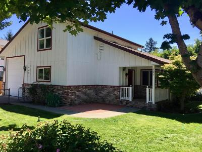 Merlin, Sunny Valley, Wimer, Rogue River, Wilderville, Grants Pass, Murphy, Wolf Creek, Hugo, Wonder Multi Family Home For Sale: 324 Second Street