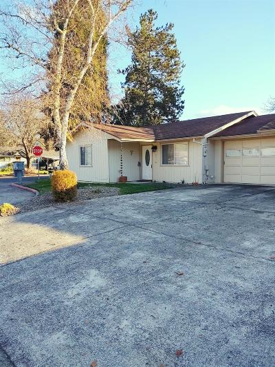 Merlin, Sunny Valley, Wimer, Rogue River, Wilderville, Grants Pass, Murphy, Wolf Creek, Hugo Single Family Home For Sale: 648 SW Sunwood Way
