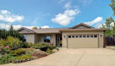 Ashland OR Single Family Home For Sale: $375,000