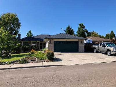 Medford Single Family Home For Sale: 2203 Westfall Circle