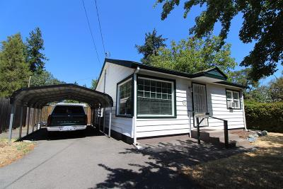 Grants Pass Single Family Home For Sale: 332 Burgess Street