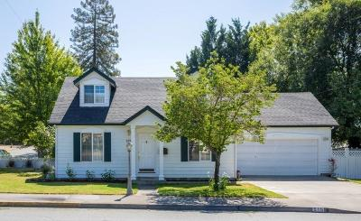Grants Pass Single Family Home For Sale: 515 NW Dimmick Street