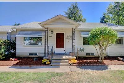 Grants Pass Single Family Home For Sale: 1013 SE Clarey Avenue