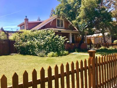 Ashland OR Single Family Home For Sale: $549,000