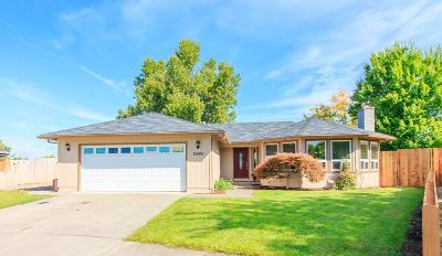 Single Family Home For Sale: 2466 Sheffield Court