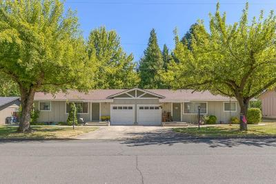 Medford Multi Family Home For Sale: 1220 Valley View Drive
