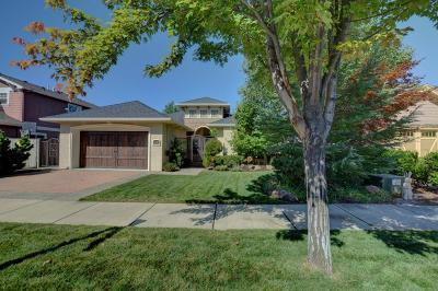 Medford Single Family Home For Sale: 1220 Stonegate Drive