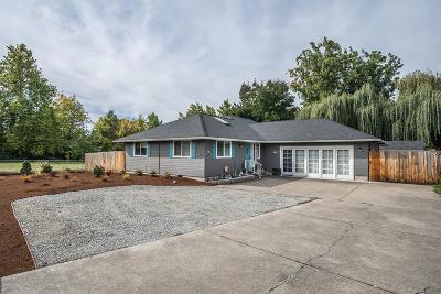 Medford Single Family Home For Sale: 2433 Springbrook Road