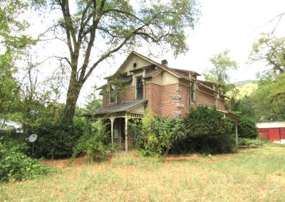 Jackson County, Josephine County Single Family Home For Sale: 719 N 2nd Avenue
