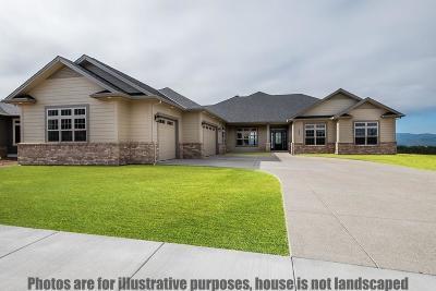 Medford Single Family Home For Sale: 460 W Veneto Circle