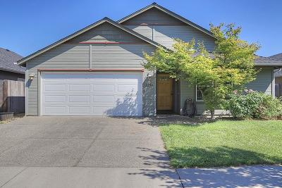 grants pass Single Family Home For Sale: 2254 Gayle Way