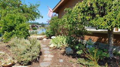 Grants Pass Mobile Home For Sale: 208 Waverly Drive