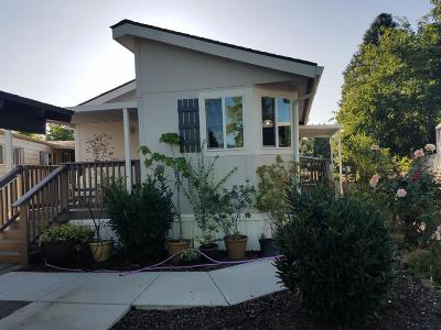 Grants Pass Mobile Home For Sale: 508 Wen Dover Circle