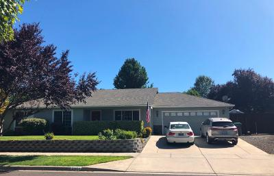 Medford Single Family Home For Sale: 2110 Manchester Drive