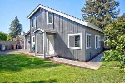 grants pass Single Family Home For Sale: 1001 NE Dewey Drive