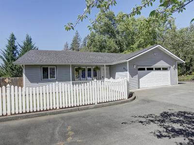 grants pass Single Family Home For Sale: 932 NE Dewey Drive