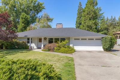 Medford Single Family Home For Sale: 408 S Groveland Avenue