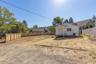 Jackson County, Josephine County Single Family Home For Sale: 725 Applegate Street
