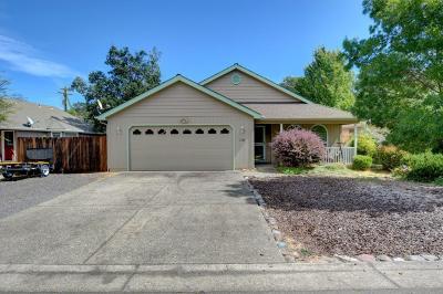 Jackson County, Josephine County Single Family Home For Sale: 316 Yewwood Drive