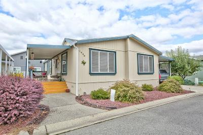 Grants Pass Mobile Home For Sale: 1446 Willow Court