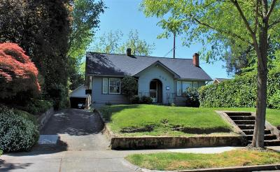 Medford Single Family Home For Sale: 822 Minnesota Avenue