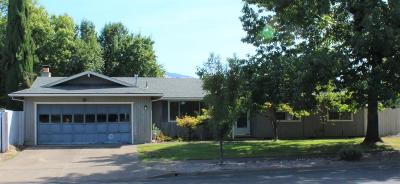 Medford Single Family Home For Sale: 1468 Papago Drive