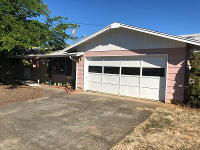 Grants Pass OR Single Family Home For Sale: $249,000