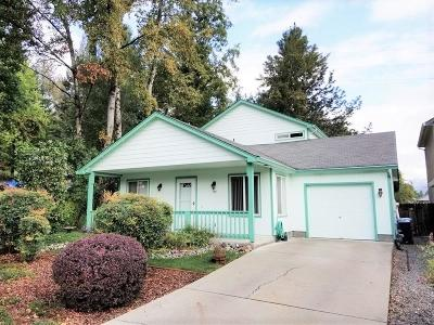Grants Pass Single Family Home For Sale: 820 Bower Lane