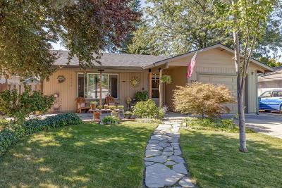 Medford Single Family Home For Sale: 1816 Hart Street