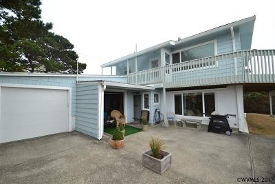 Lincoln City Single Family Home For Sale: 5229 NW Keel