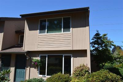 Keizer Condo/Townhouse Active Under Contract: 249 McNary Heights