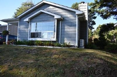 Lincoln City Single Family Home Active Under Contract: 3235 NW Quay
