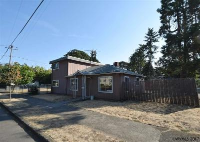 Salem Single Family Home For Sale: 820 Ford