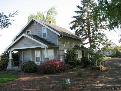 Salem Single Family Home For Sale: 7208 Indigo (- 7210)