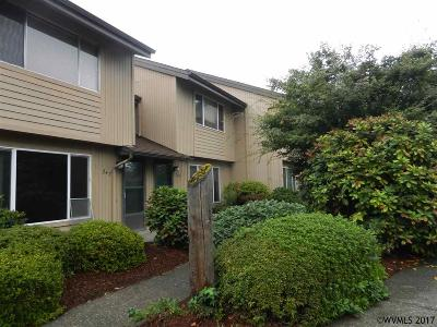 Keizer Condo/Townhouse For Sale: 245 McNary Heights Dr