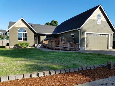 Scio Single Family Home For Sale: 38685 SW Alder St