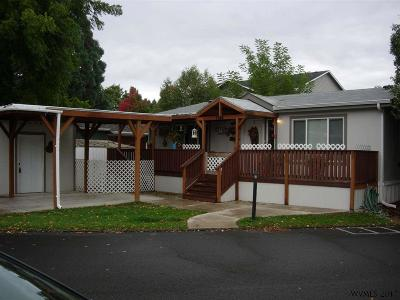 Keizer Manufactured Home Active Under Contract: 1186 Chemawa Lp