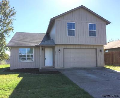 Dallas Single Family Home For Sale: 247 NW Bonanza Av