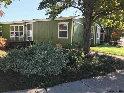 Keizer Manufactured Home For Sale: 5166 Springfield Ct