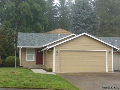Keizer Single Family Home Active Under Contract: 805 Foothill Ct