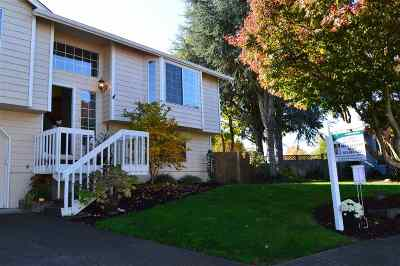 Keizer Single Family Home Active Under Contract: 1782 Jentif Ct NE