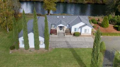 Lebanon Single Family Home For Sale: 39233 River Dr