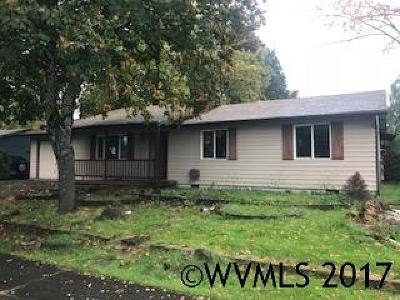 Aumsville Single Family Home Active Under Contract: 810 N 7th St