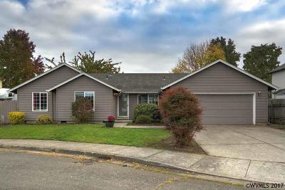 Keizer Single Family Home Active Under Contract: 5356 McIntosh Ct