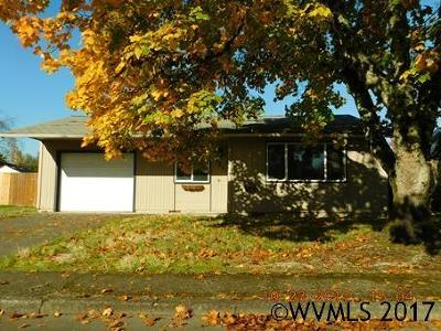 Aumsville Single Family Home Active Under Contract: 625 Locust St