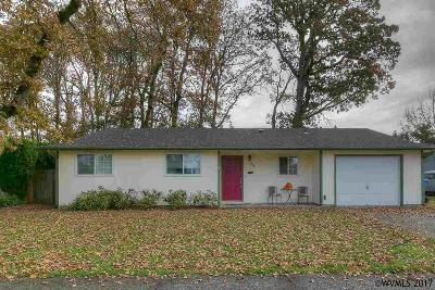Aumsville Single Family Home Active Under Contract: 940 N 7th St